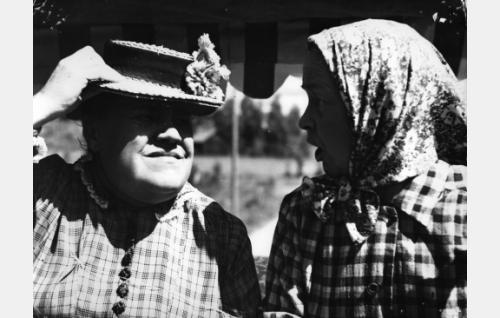 Siiri Angerkoski ja Aili Tikka