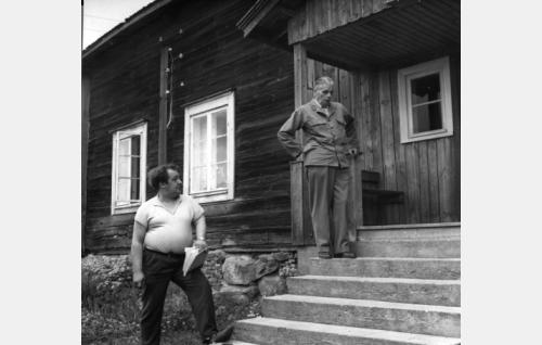 Ohjaajat Tarkas ja Särkkä