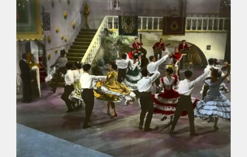 Espanjalainen tanssi, väritetty kuva.