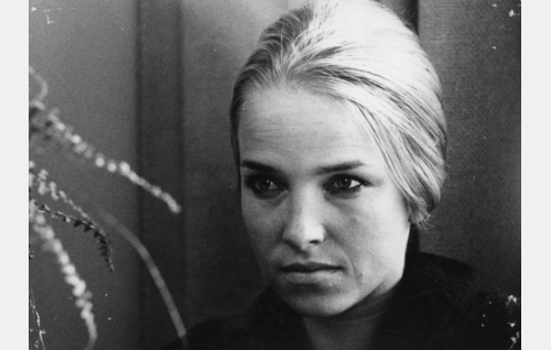 """Helinä Lehmusto, """"rouva 21"""" (Eija Pokkinen)."""