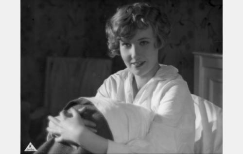 Alli, nimismiehen tytär (Elsa Segerberg)