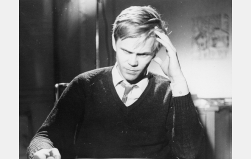 Rampa nuori mies, suomentaja (Eero Tuomikoski) episodissa Confiteor.