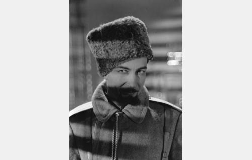santarmieversti Sergei Aleksandrovitsh Vasiljev (Ville Salminen)