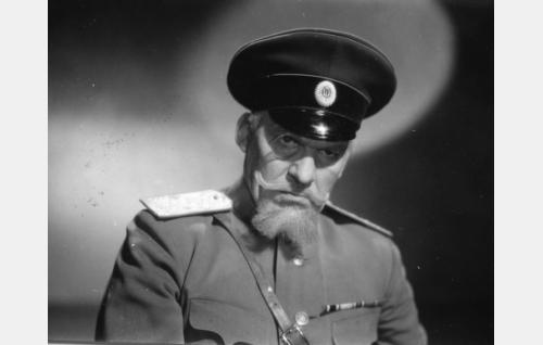 Kenraali Danilov, kaupungin komendantti (Topo Leistelä)