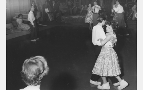 Illan viimeinen tango -tanssikohtausta kuvataan.