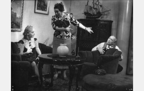 Sointu Kouvo, Annie Mörk ja Eino Jurkka.