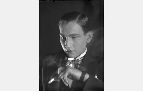 Antti Larto alias Anton Lardozo (Theodor Tugai).