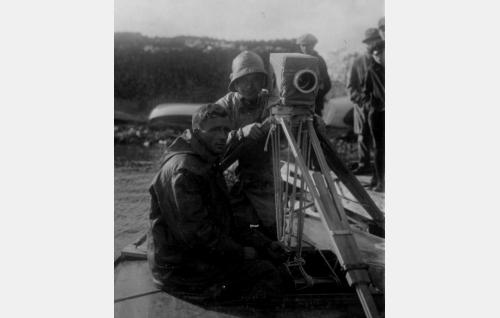 Kameran takana Kurt Jäger.