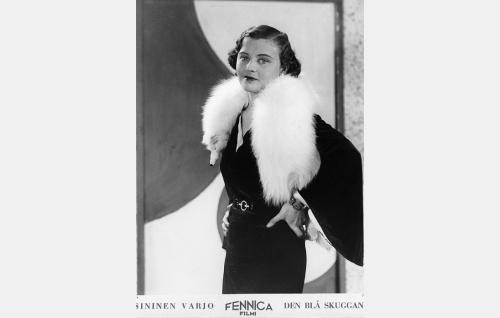 Iris Vild (Ellen Parviainen).